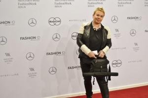 Bergedorf,  Berlin Fashion week, Bergedorf Blog, Heidi vom Lande, Roter Teppich, Mercedes Benz Fashion Week, Videos, Fotos, Mode, Glamour, Stars, Promis, Show, Mode, Brandenburger Tor, Berlin, Fashion, Highlights, Style-Check, roter Teppich, Promis, Stars, Red Carpet