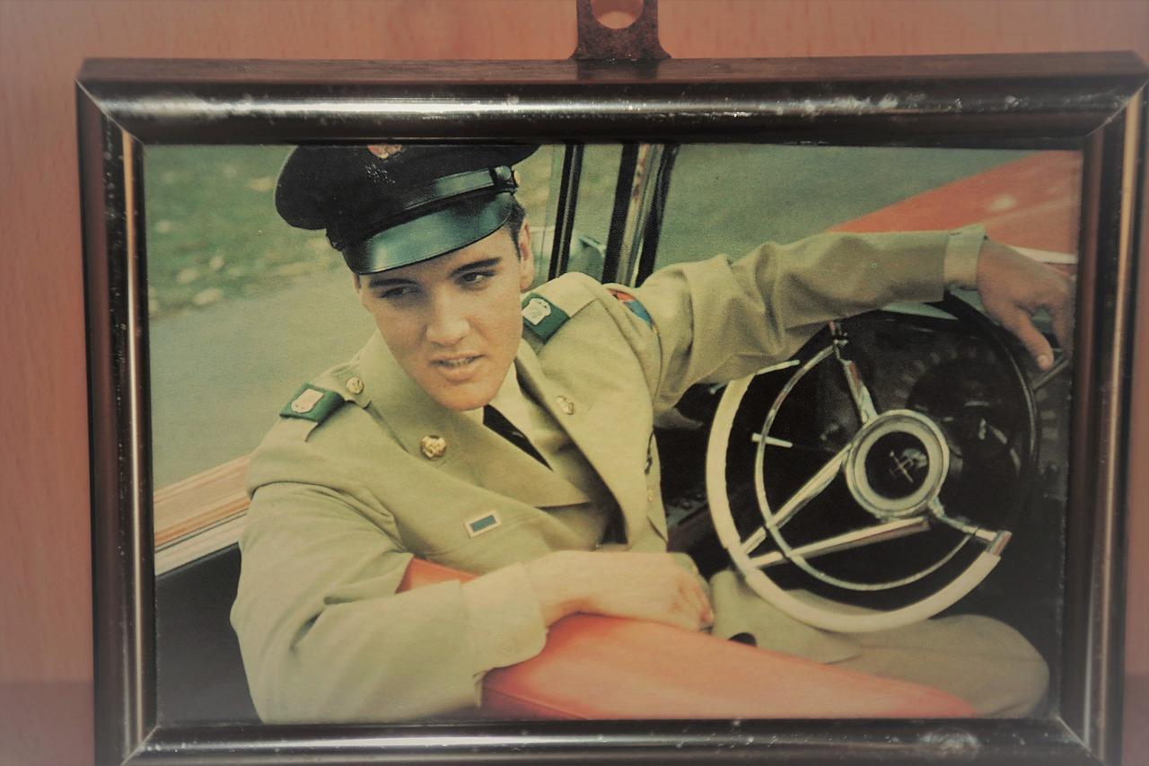 Elvis, The King of Rock, The King of RocknRoll, Bremerhaven, ARD, Dokumentation, The King - Elvis und der amerikanische Traum, Roadmovie, Mit Elvis durch Amerika, TV-Tipp, HEIDI VOM LANDE