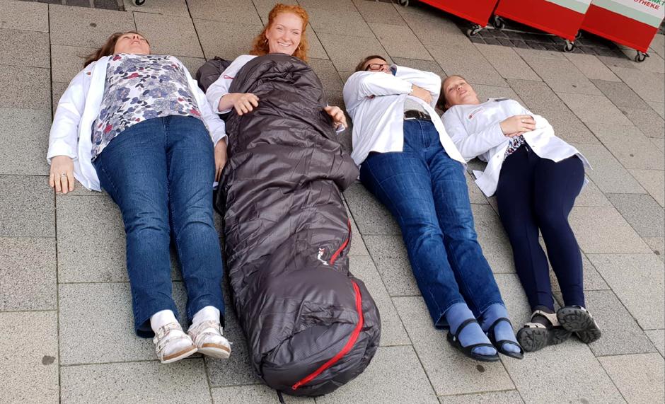 Obdachlose, Obdachlosigkeit, Leben auf der Straße, Winter, Spende, Schlafsack, auf der Straße leben, Pluspunkt Apotheke, Bergedorf, McTrek, Bergedorf Blog, News