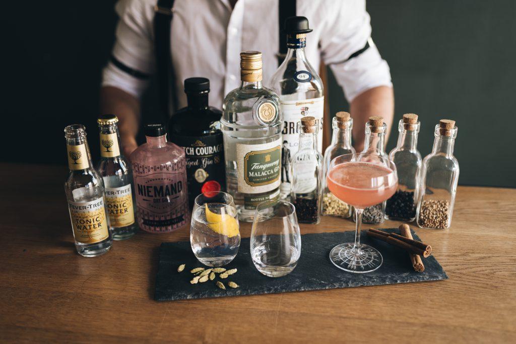 Tins and Tales, from stories to drink, Gin, Rum, Whiskey, Tasting, Hamburg, Profibarkeeper, Verkostung, Seemännische Trinkgeschichten, Abenteuer, Rausch der Meere