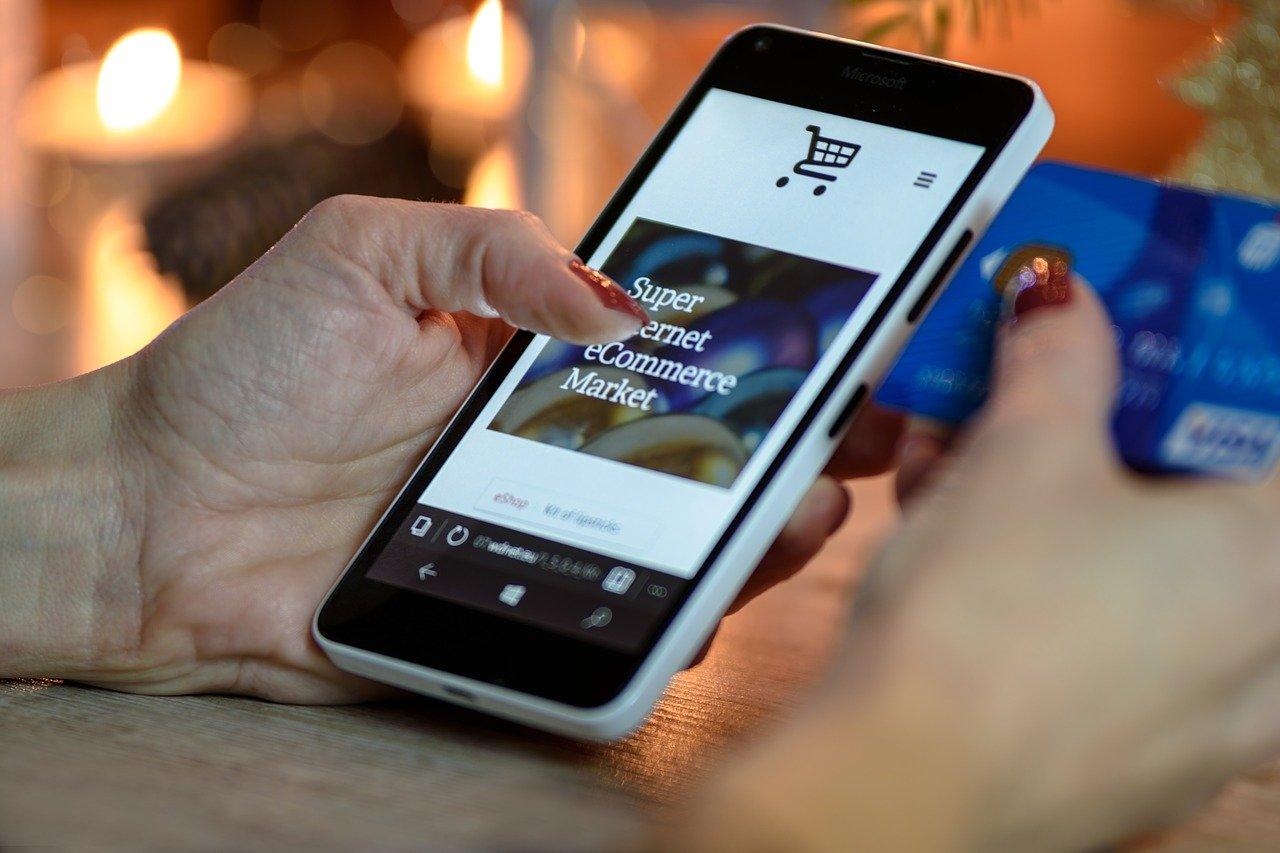 Kauf lokal, Polizei, Tipps, Geschenkekauf, Online-Shopping, Misstrauen, Sicherheit, Internet
