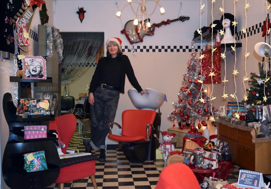 Yvonne Hirsch, Friseur, Rocking Hair, Rock'n'Roll Frisuren, Elvis, Tolle, Hamburg, Bergedorf, Töpfertwiete, Rockabilly-Musik, Weihnachten, Frisieren
